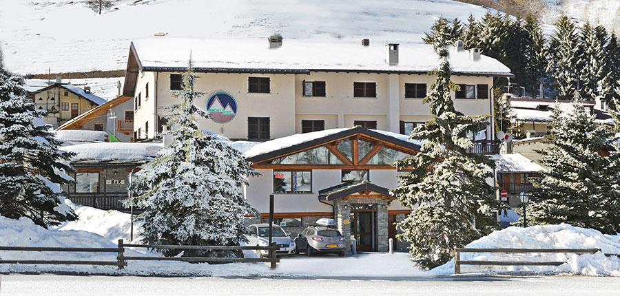 italy_milky_way_ski_area_sestriere_banchetta_hotel_exterior.jpg